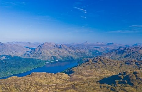 panorama-of-mountains-and-loch-lomond-on-a-sunny-day-seen-from-ben-lomond